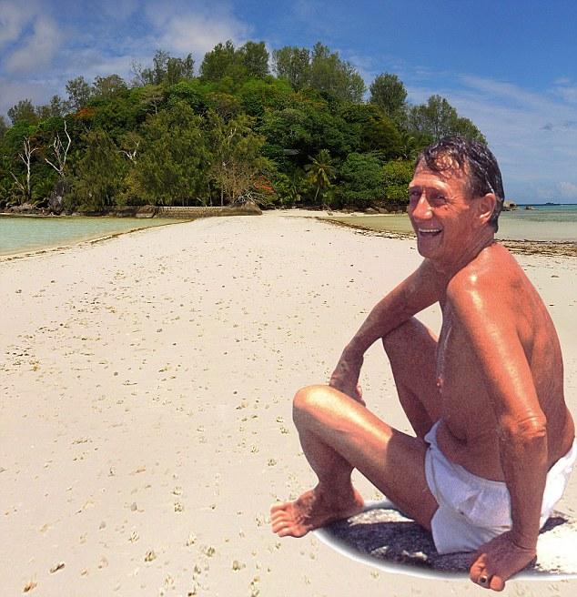 Той напусна работата си и купи остров за 13 000 долара, превръщайки го в  рай, където живее сам от 50 години