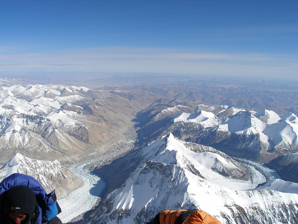 эверест фото на самом верху спешке