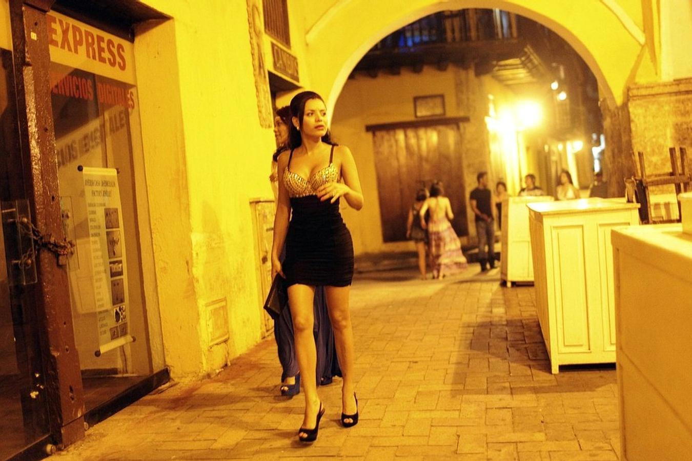 Неаполь проститутки проститутки рти