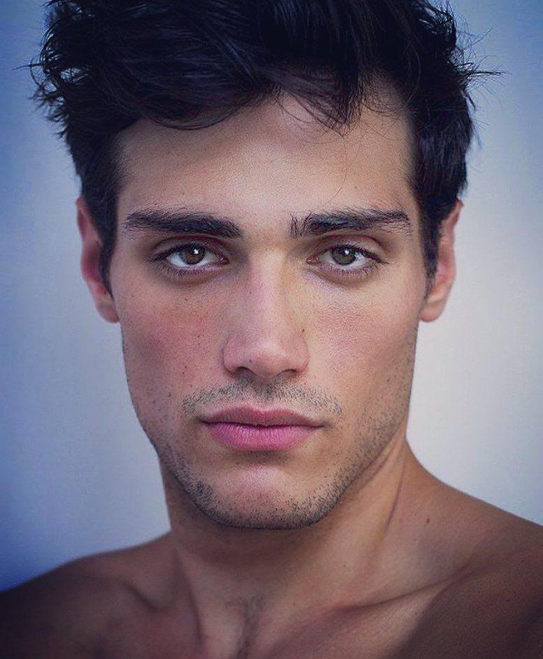 мужчина европейской внешности фото тюль