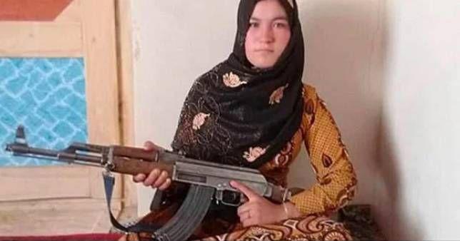 Камар Гюль, девочка убила террористов,
