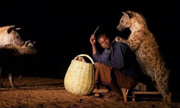Человек-гиена, Человек-гиена из эфиопии, приручил гиен