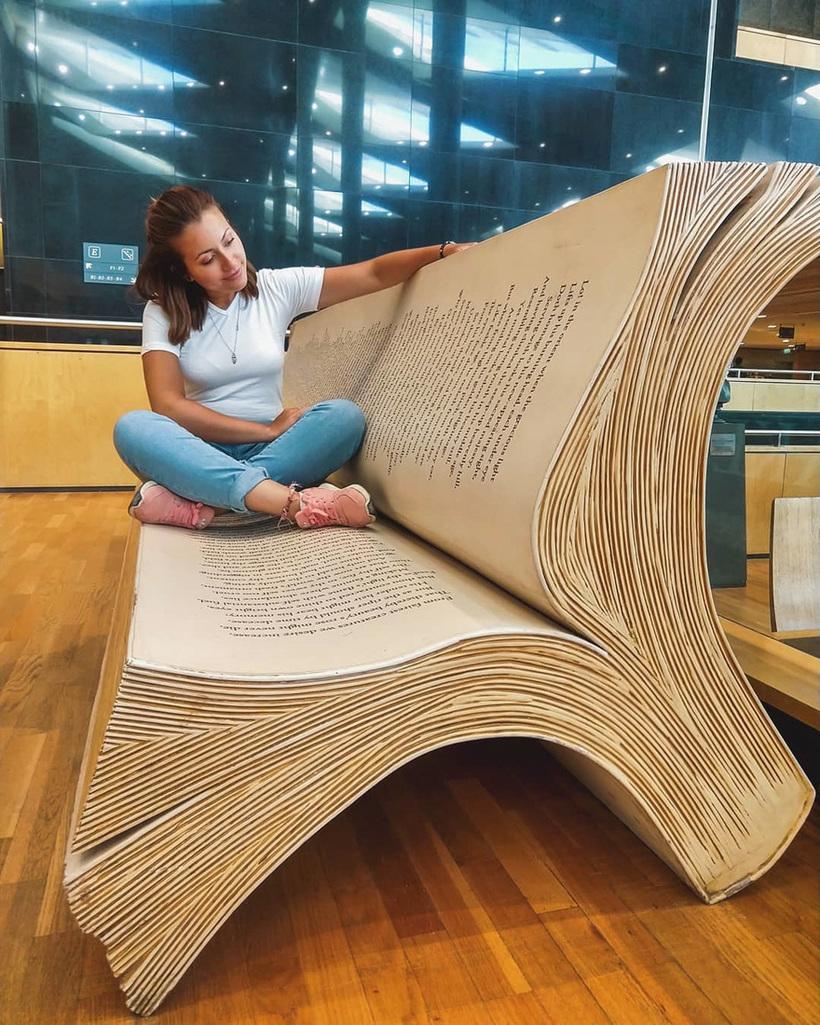 book-bench-library-of-alexandria-egypt-2